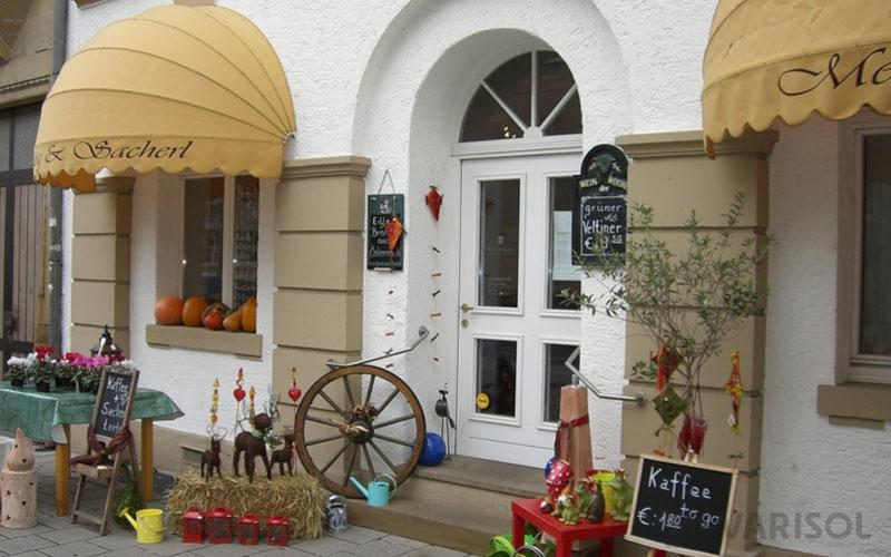 Fenster-Tuerenwerk-Schroeder-Bogen-Korbmarkisen