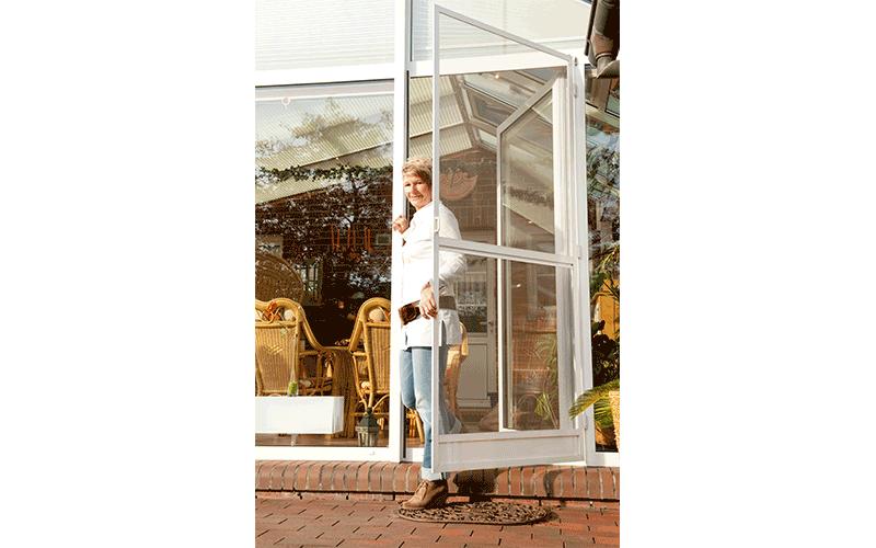 Fenster-Tuerenwerk-Schroeder-Insektenschutz-
